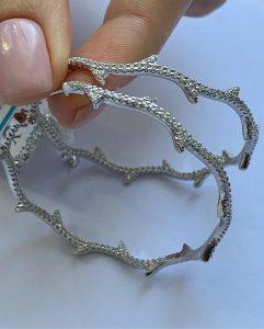 Серги кольца серебряные фото купить с камнями