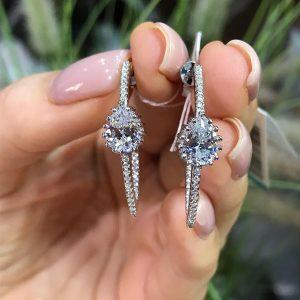 Серебряные серьги стрелы с камнями фото
