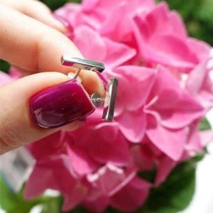 Серебряные минималистичные серьги гвоздики фото