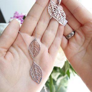 Серебряное колье листья ажурные фото