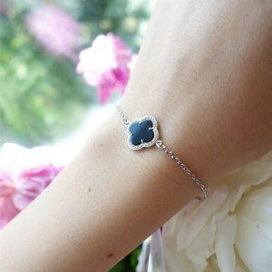 Серебряный браслет с черным ониксом фото