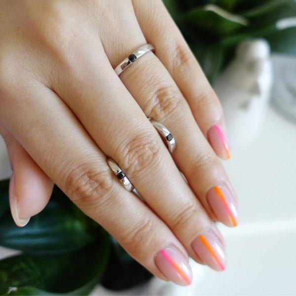 Серебряное кольцо двухстороннее с камнями фото
