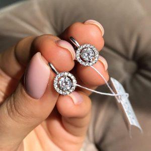 Серебряные серьги на английской застежке с камнями 001.083 фото
