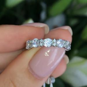 Серебряное кольцо с цирконами 001.091 фото