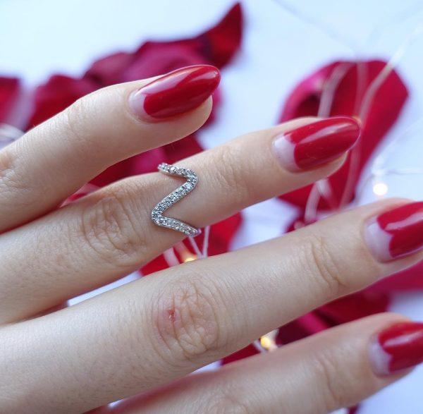 Серебряное кольцо с камнями 001.193 фото