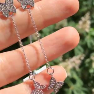 Серебряные длинные серьги бабочки фото