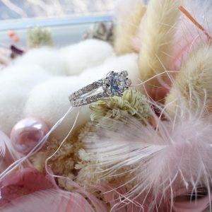 Серебряное кольцо с камнем 001.185 фото
