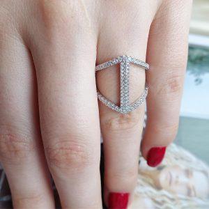 Серебряное кольцо в камнях 001.182 фото