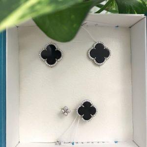 Серебряные серьги гвоздики 001.105 фото