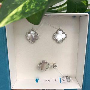 Серебряные серьги гвоздики 001.106 фото